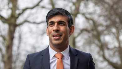 Photo of Coronavirus UK information LIVE: Rishi Sunak planning six month stamp responsibility vacation to assist rebuild financial system as deaths hit 44,220